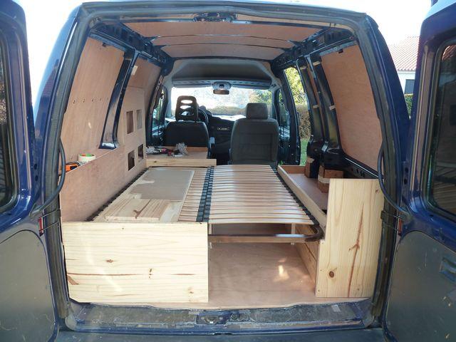 comment am nager son fourgon site de voiture. Black Bedroom Furniture Sets. Home Design Ideas
