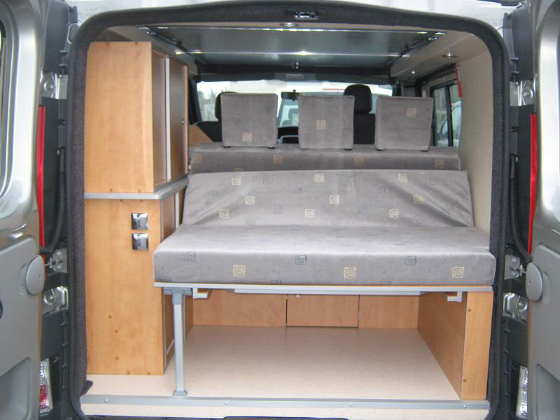 Am nagement de camion en camping car site de voiture for Amenagement interieur camping car